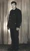 Kolega Tadeusz Bodziony, poujący od lat 40 - tych, w Sokole od 1954 roku, obywatel Krynicy, wieloletni kierownik piekarni, obecnie na emeryturze. Na zdjęciu z lat 50 - tych w mundurze myśliwskim.