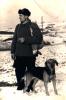 Kolega Szczepan Łuczak, kilkunastoletni członek Koła Sokół, z zawodu etatowy strażak Zakładowej Straży Pożarnej Grybowskiego Stolbudu, zamieszkały w Kąclowej, ojciec członka Koła Kolegi Józefa Łuczaka. Na zdjęciu z psem i strzelonym zającem.