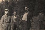 W drodze na stanowiska, z lewej Jan Boligłowa, inni myśliwi nierozpoznani.